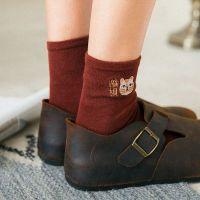 秋冬新款袜子女全棉日系刺绣猫咪招财中筒袜子可爱卡通棉袜堆堆袜