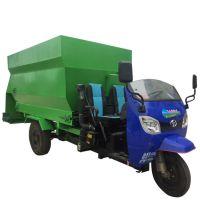 新疆双向出料撒料车 秸秆粉碎草料投料车 电动液压省劳力撒料车