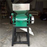厂家直销小型大豆挤扁机,麦子轧扁机,压花生碎的机器