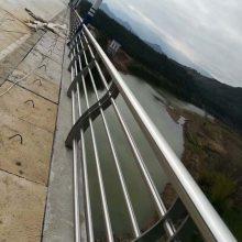 不锈钢复合管栏杆-聊城飞龙桥梁护栏公司(在线咨询)