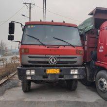 山西忻州二手车现有大量前东风四后八自卸车出售,260马力,153桥,6米--7.6米大箱