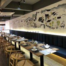 中式风格装修餐厅靠墙卡座沙发桌椅配置案例