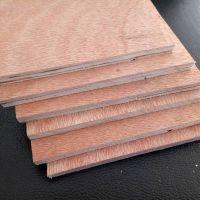 厂家现货临沂贴面桃花芯包装箱板三利板材不易变形贴面包装箱板