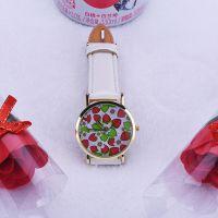 时尚可爱草莓图案手表 小清新女表学生表 休闲时装百搭石英表