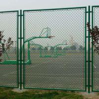 万起工厂现货供应球场围栏 学校隔离防护球场围栏 勾花体育场围栏 可定制