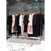 三彩服装尾货批发市场在广州石井折扣女装尾货批发城