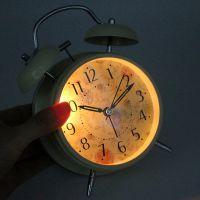 床头静音闹钟声音小闹铃台钟大金属闹钟时尚学生创意闹表座钟
