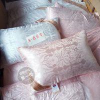 壹街区外贸 品牌单!贡缎提花羽丝绒高回弹枕芯枕头