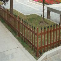 别墅区院墙围栏 花园隔离网 塑钢围挡图片