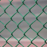 陕西西安勾花网护栏现货 运动场围栏网 河道治理防护网