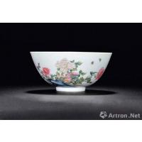 雍正时期的珐琅彩瓷有什么特点?