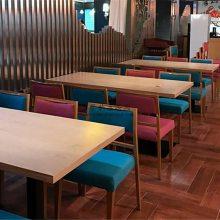 丽江特色美食餐厅桌子椅子批发,INS风餐桌椅子组合案例