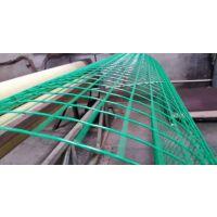 鱼塘围网、绿色铁丝网、圈地网、围山栅栏、养殖网、果园防护网 双边丝护栏