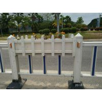广东云浮锌钢塑钢道路围墙草坪护栏交通栏杆赛马场跑道栅栏厂家