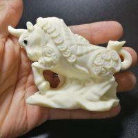 象牙果雕件十二生肖牛 动物把件 手工雕刻手把件 文玩摆件礼盒装