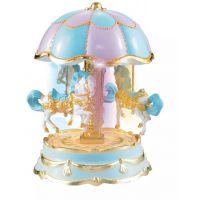 创意八音盒家饰礼品高品质批发蛋糕饰品 八音灯光旋转木马音乐盒