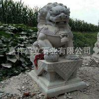 山东厂家供应各种石狮子 花岗岩精雕狮子 动物雕塑石头狮子