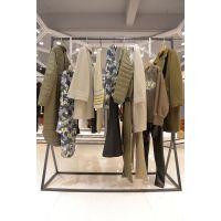 欧时力原单品牌女装尾货微信折扣 品牌女装尾货批发市场在哪里进货紫色牛仔裤