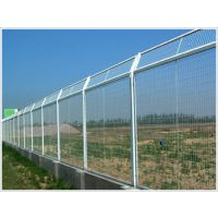 合肥紫蓬山 园林围栏 护栏网 养殖围网 球场围栏 小区隔离网 草坪PVC护栏