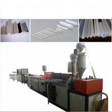 青岛塑诺机械(图)-pvc配电箱线槽生产线-浙江线槽生产线