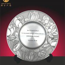 集团十周年庆典纪念品,公司挂牌成立奖牌,纯锡浮雕礼品定制