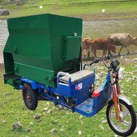 柴油三轮撒料机 两边出料撒料车 电动抛料车