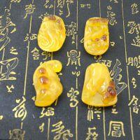 仿琥珀蜜蜡跑江湖新品荧光金包蜜蚕豆系列吊坠挂件厂家直销