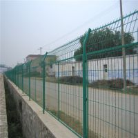 山东养殖场护栏网 场区浸塑护栏厂家 双边防护网价格