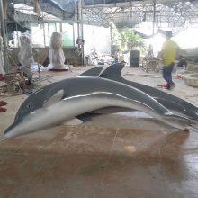 艺宇厂家供应玻璃钢卡通海洋动物雕塑 海豚鲨鱼喷水园林酒店水池景观摆件