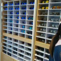 来图定制饰品货架眼镜展示架 包包发饰展柜 亚克力柜太阳镜展柜