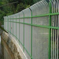 长期销售学校围墙防护网 河道边锌钢护栏网 果木园养殖地钢护栏