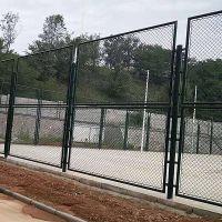 专业生产篮球场围栏网 足球场围网 承包安装