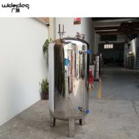 工厂直销北京市通州区食品级豆奶储蓄罐广旗圆形无菌水箱