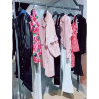 欧洲站毛衣现货多种款式多种风格飘蕾女装批发app浙江品牌女装加盟费用多少