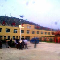 果洛新农村4米6米太阳能路灯