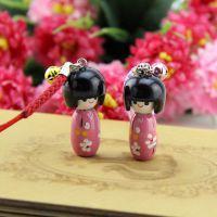 精品日本人女手机挂件钥匙扣 木质工艺品批发 精品店地摊货源赠品