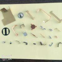 厂家直销五金冲压弹片,电池片,接触片,免费拿样量大免费开模~铜,铁,不锈钢。~接触性能好