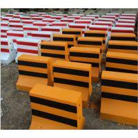 水泥隔离墩批发价格C50混凝土预制隔离墩大量现货厂家