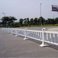 郑州工厂热卖道路护栏 静电喷漆 市政隔离 小区护栏