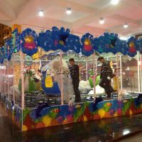 欢乐喷球车图片 室内游乐场设备 厂家直供