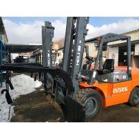 青岛斗山3吨电动叉车改造卡斯卡特双托盘搬运器:叉车属具加工改装