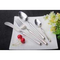 小蛮腰西餐具、304不锈钢刀叉勺四件套、高档北欧家居用品餐具礼盒