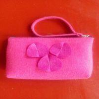 厂家供应 新款女士化妆包手挎花卉毛毡拉链式大容量旅行包定制