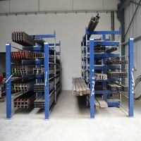 南京专业生产批发空间利用率极高 用于放板材铝材建材Roll-Out Rack 伸缩式悬臂货架