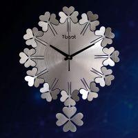 创意挂钟客厅现代静音幸运草卧室钟表四叶草石英钟金属时钟挂表