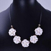 厂家批发 女式花朵小清新珍珠项链 欧美人气热销单品 时尚锁骨链
