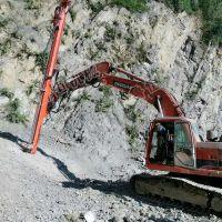 挖机改凿岩钻机 50-90孔凿岩机凿孔15米深 高效快速的凿岩机厂家