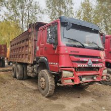 忻州鸿运二手车信息部为您提供多台豪沃重汽后八轮工程自卸车336马力,5.6米大箱