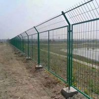 现货框架护栏网厂家 高速公路扁铁防护网 河道边框隔离网