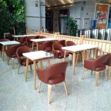 绵阳市甜品店家具定做,甜品店桌子椅子摆放实拍图